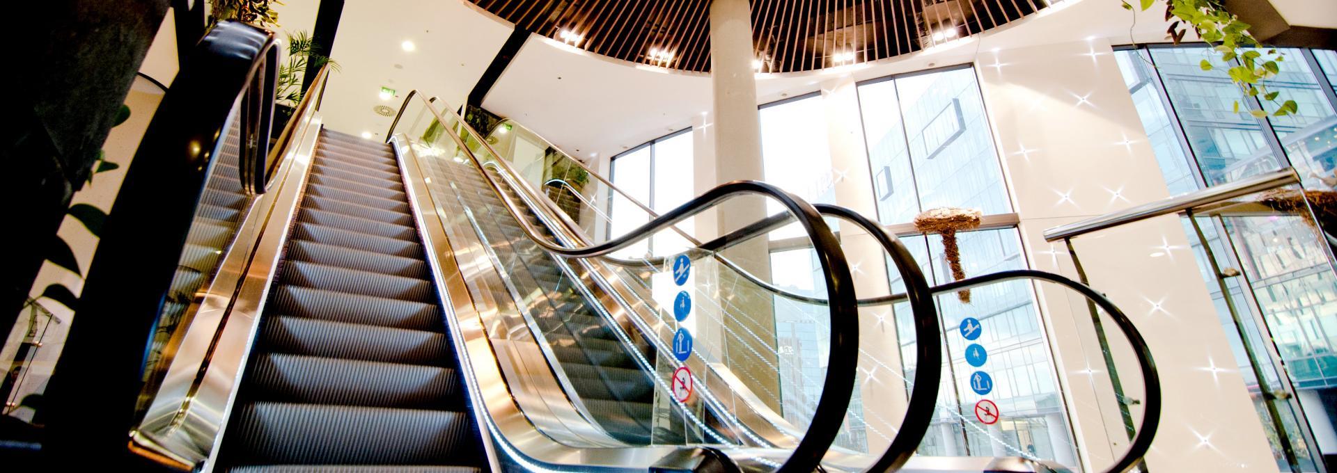 Κυλιόμενες Σκάλες & Διάδρομοι